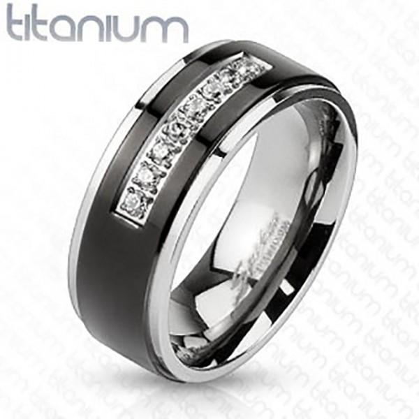 Czarny pierścionek tytan małe cyrkonie