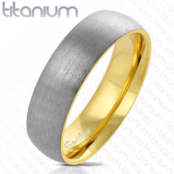 pokryty złotem w środku szczotkowana stal tytan pierścionek