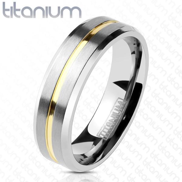 pokryty złotem rowki w centrum Line tytan pierścionek